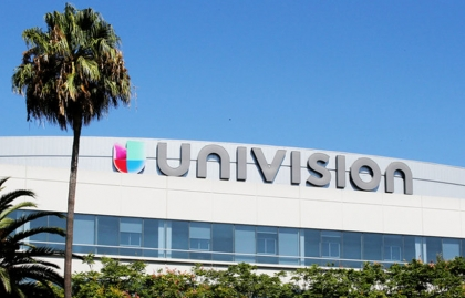 UNIVISION NEARS SALE TO A GROUP LED BY EX-VIACOM EXECUTIVE