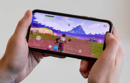 """APPLE AND GOOGLE REMOVE EPIC GAMES' """"FORTNITE"""" FROM THEIR APP STORES"""